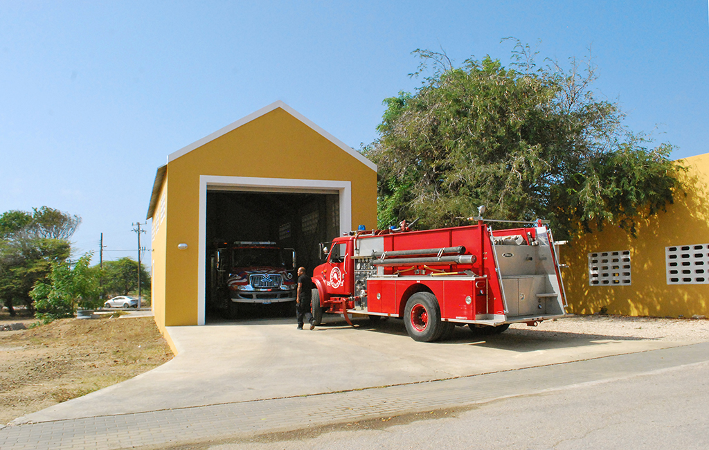 GARAGE FIRE DEPARTMENT RINCON